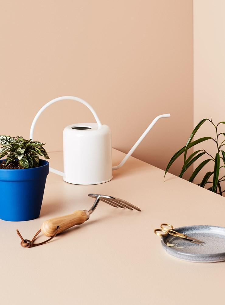 EVERGREEN COLLECTIVE Flora Watering Can - White