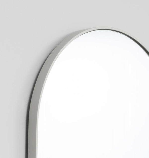 MIDDLE OF NOWHERE Bjorn Oval Large Mirror - Dove