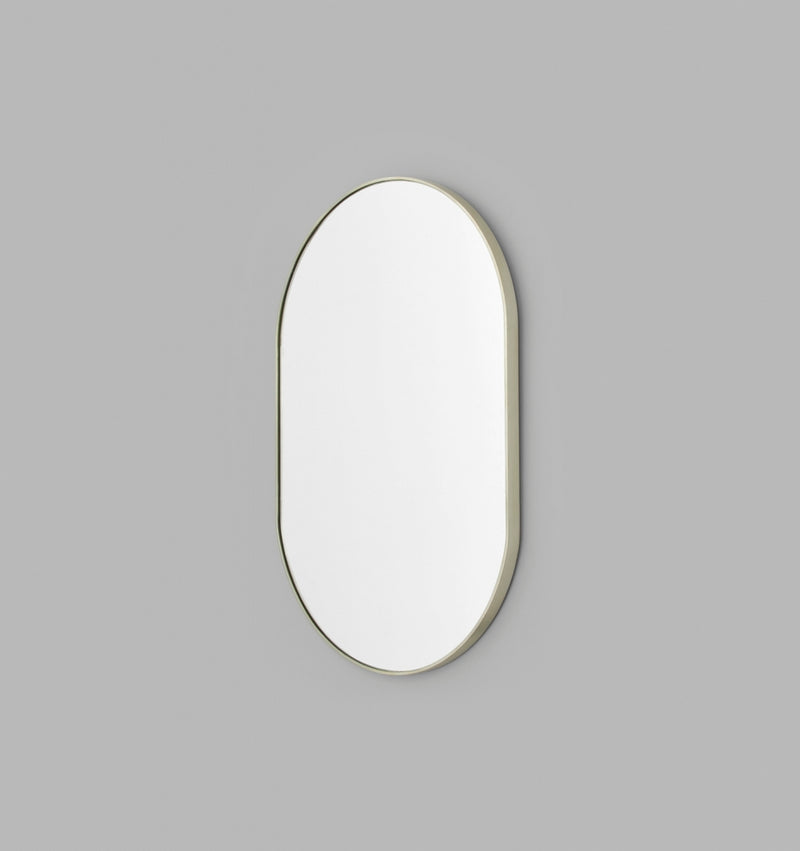MIDDLE OF NOWHERE Bjorn Oval Mirror - Silver