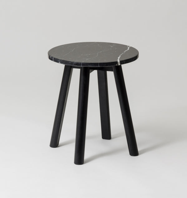 MIDDLE OF NOWHERE Enkel Marble Side Table - Black