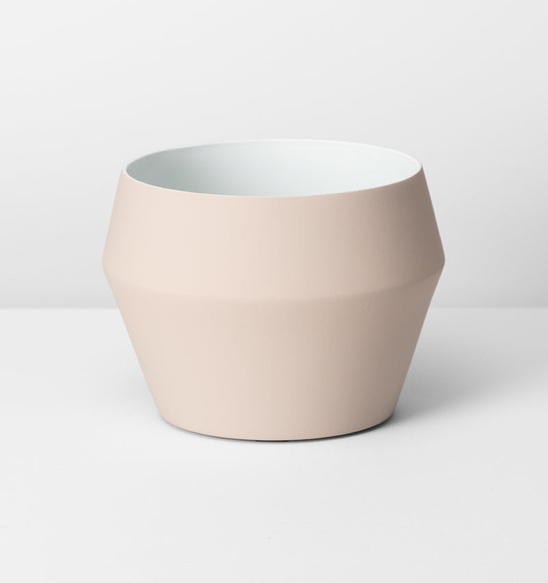 MIDDLE OF NOWHERE Romo Planter - Nude - Medium
