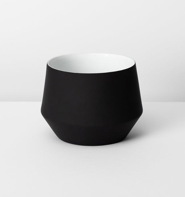 MIDDLE OF NOWHERE Samso Planter - Black