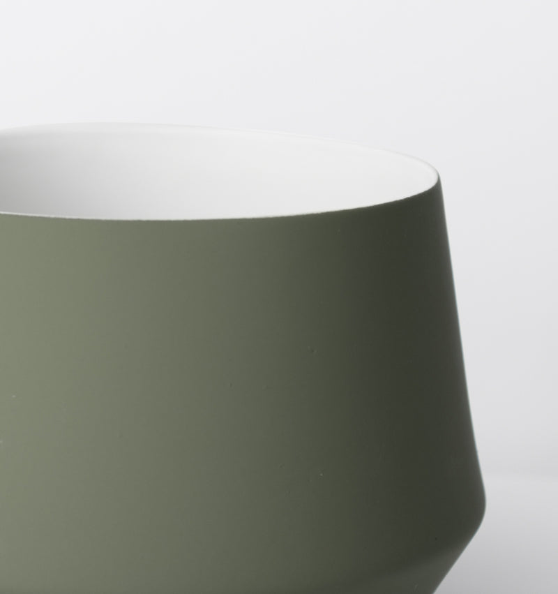 MIDDLE OF NOWHERE Samso Planter - Olive - Large