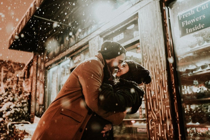 Master the Art of the Holiday Engagement Proposal