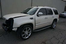 Load image into Gallery viewer, 2008 Cadillac Escalade 6.2L Used Engine With 78k Miles!