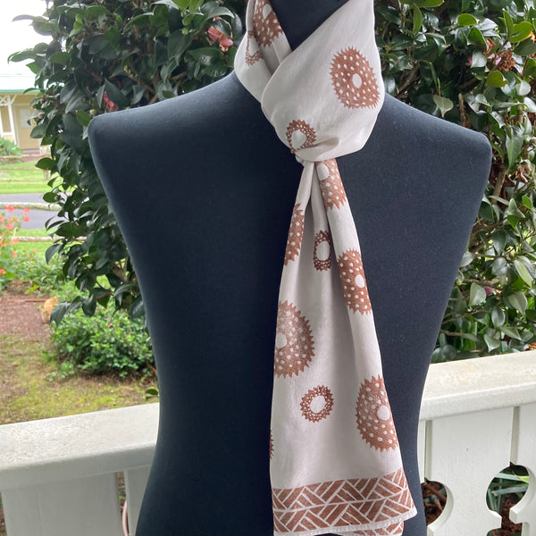 Ohe Kapala Silk Crepe Scarf in Beige with Wana and border