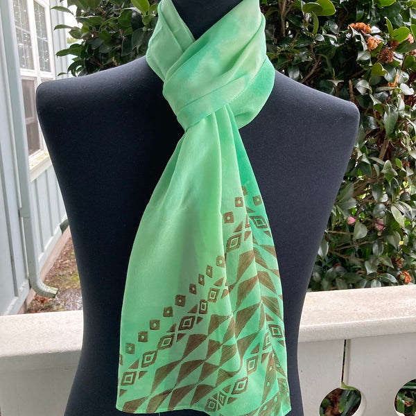 Ohe Kapala Silk Crepe Scarf in Mint Green
