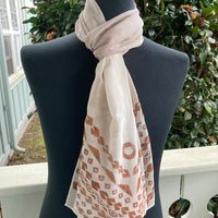 Ohe Kapala Silk Crepe Scarf in Mottled Beige with Wana