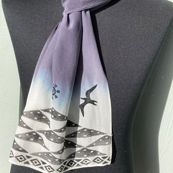 Ohe Kapala Silk Crepe Scarf in Gray