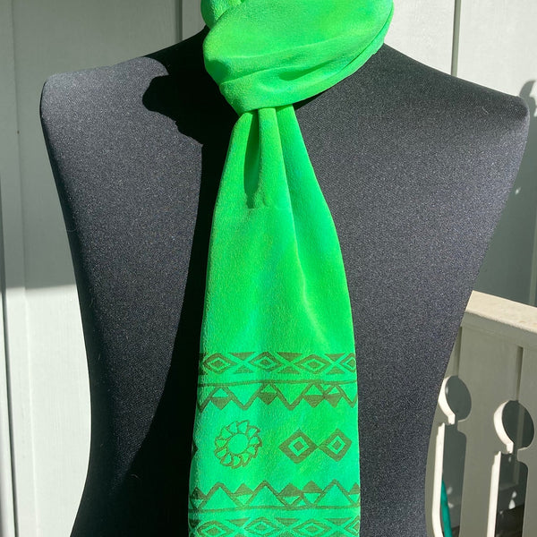 Ohe Kapala Silk Crepe Scarf in Kelly Green