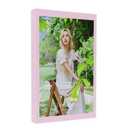 Mina - [Yes, I am Mina] PHOTO BOOK