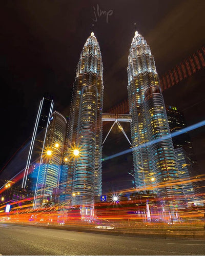 Light Trails at the Petrona Twin Towers with Jose Luis Martinez