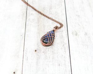 Criss-Cross Labradorite Wirewrapped Pendant