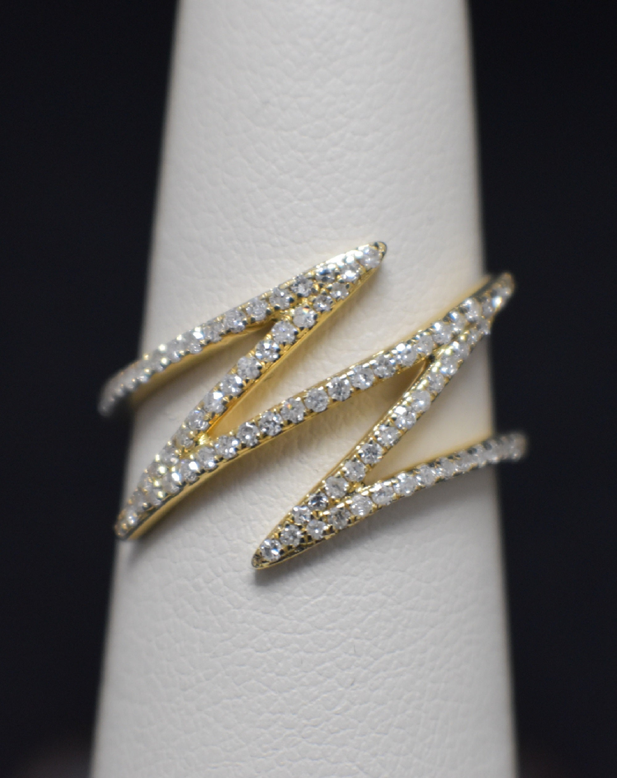 14 Kt Yellow Gold  Lightning Diamond Ring