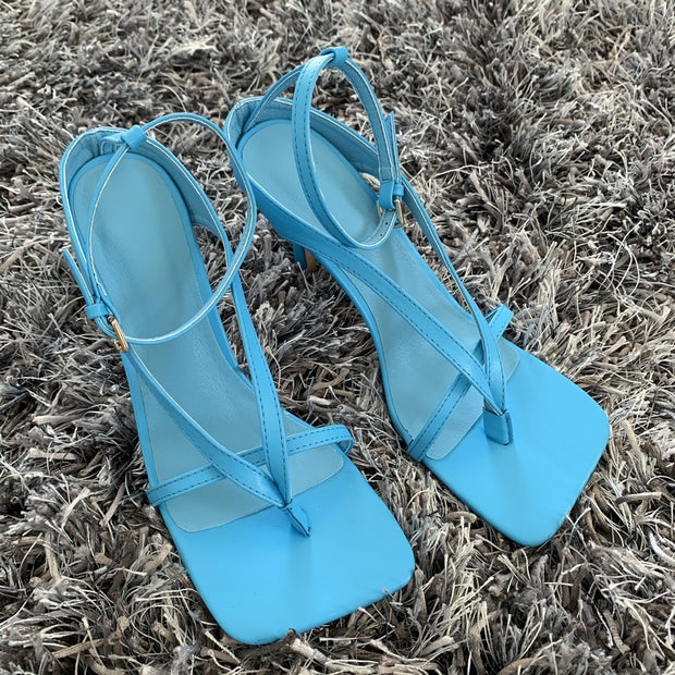 Narrow Band Vintage Square Toe High Heels