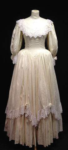 Victorian Lady in cream