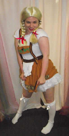FEMALE LEDERHOSEN