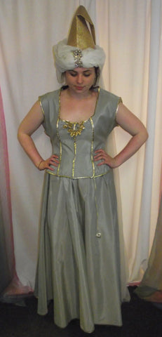PALE GREEN MEDIEVAL DRESS