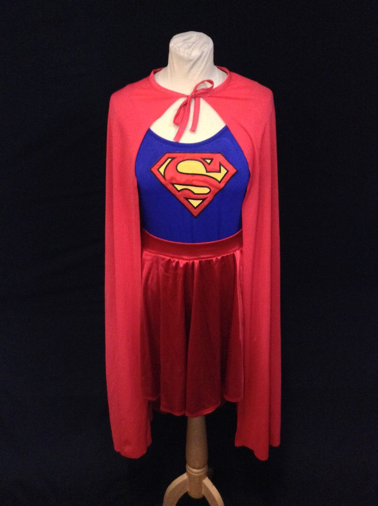 SUPERGIRL WITH CAPE