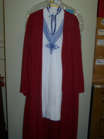 arabian mans costume robes
