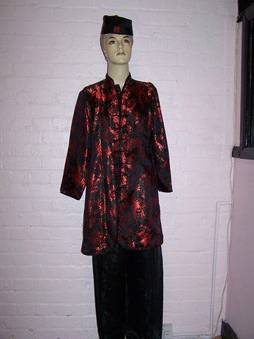 chinese oriental mans costume