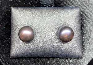 9ct Yellow Gold Black Button Fresh Water Pearl Studs