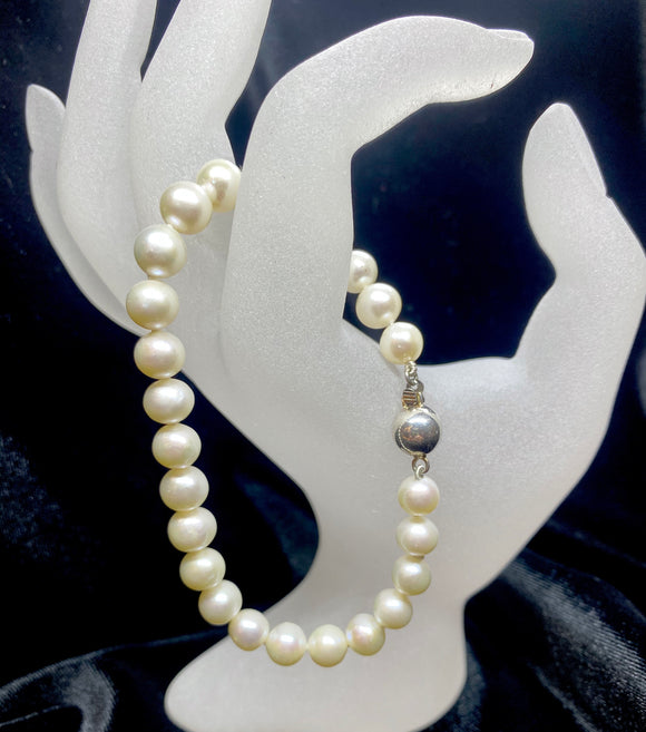 Sterling Silver White Fresh Water Pearl Bracelet