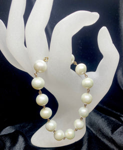9ct Yellow Gold White Fresh Water Pearl Bracelet