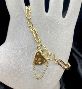 9ct Yellow Gold Ornate Heart Locket Bracelet