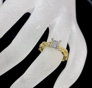 18ct Two Tone Ornate Diamond Ring