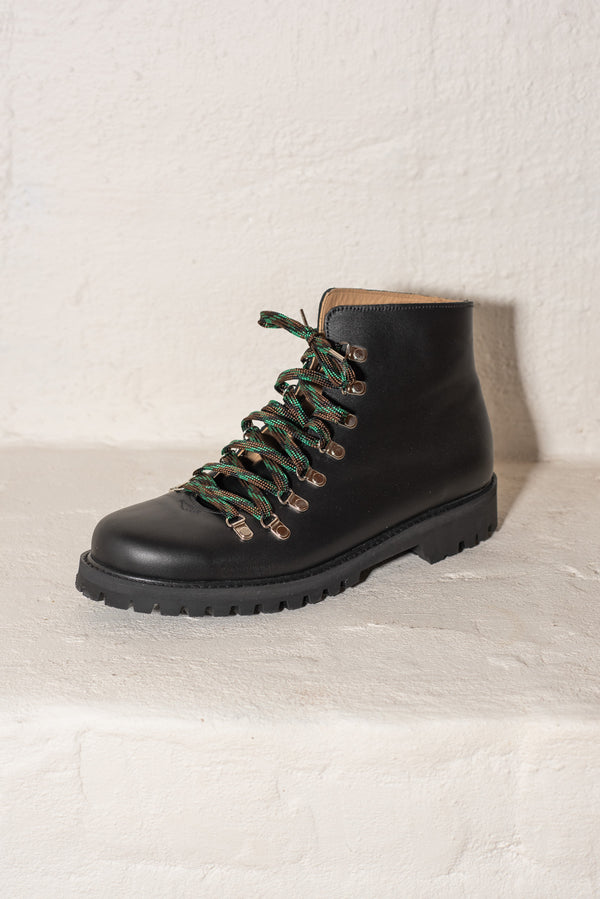 Beat Boot Black