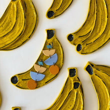 Load image into Gallery viewer, Speckled Banana Dish