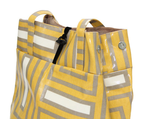 Crazy Maze large expandable tote