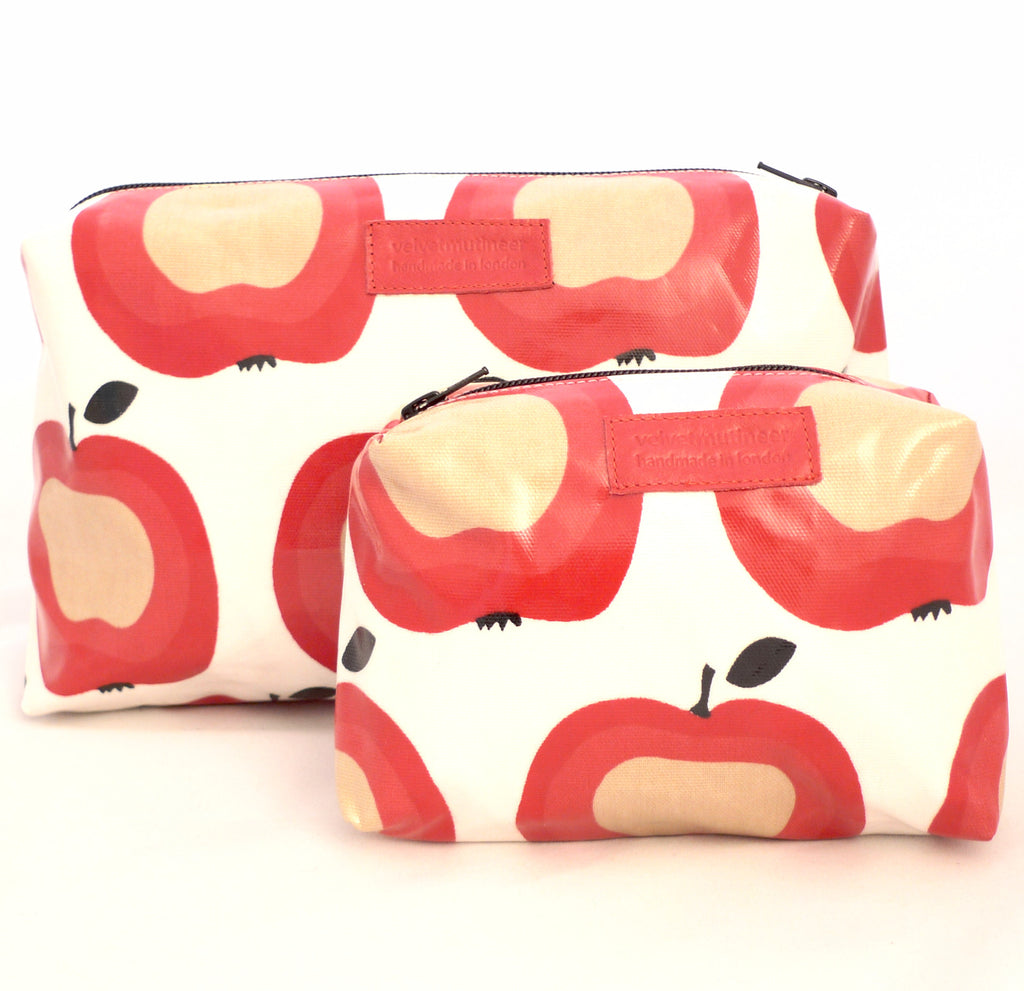 Apple oilcloth wash bag gift set