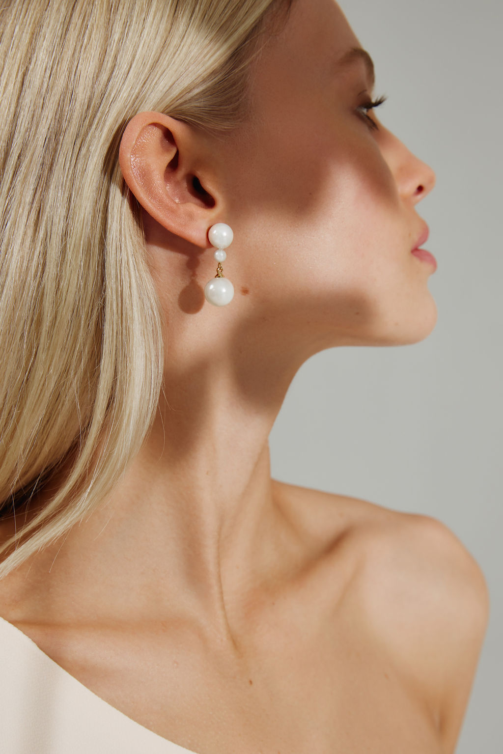 Ellery-Classic-Pearl-Wedding-Earrings-Gold-for-Amelie-George-Bridal-2021-Campaign