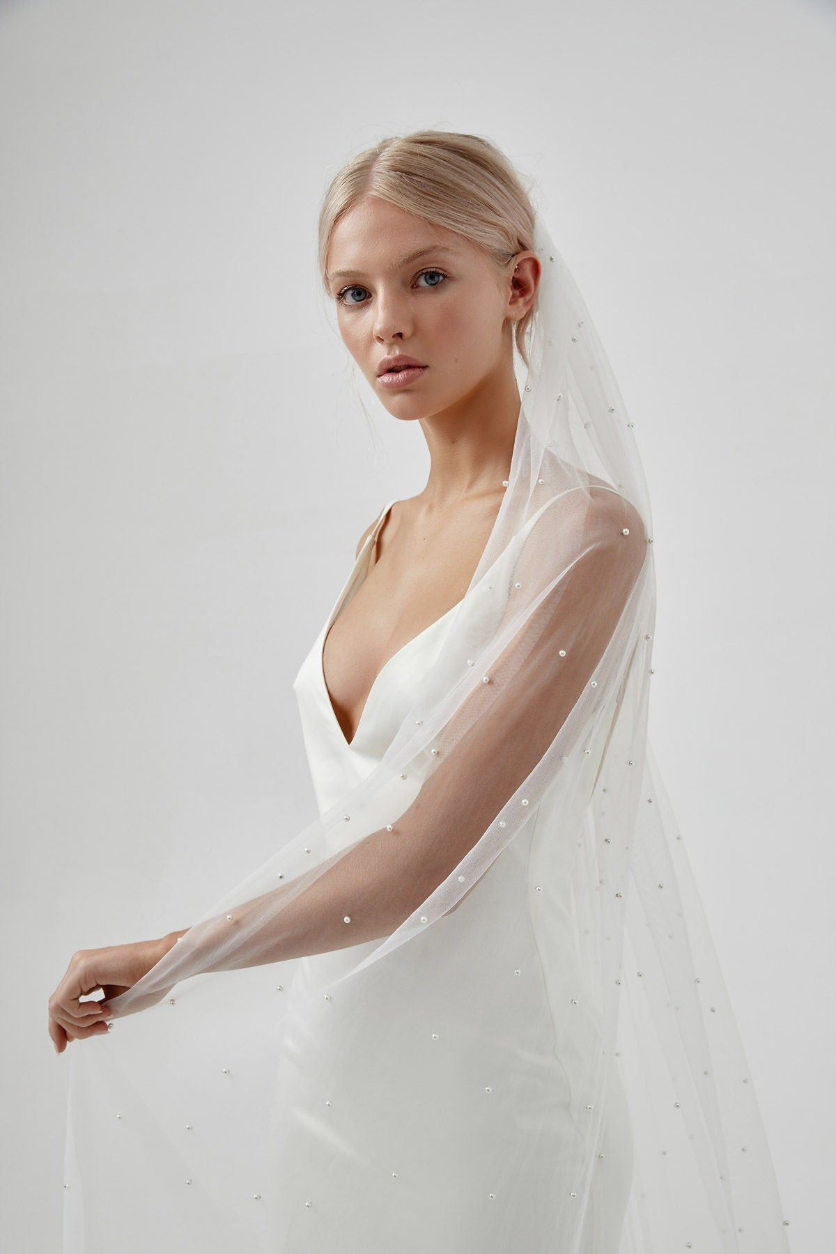 Simple Modern Wedding Veil for Amelie George bridal campaign 2020