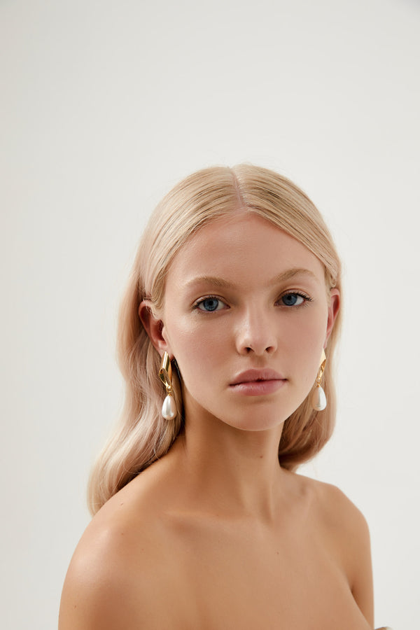 Dangle Earrings for Wedding in Gold by Amelie George Bridal