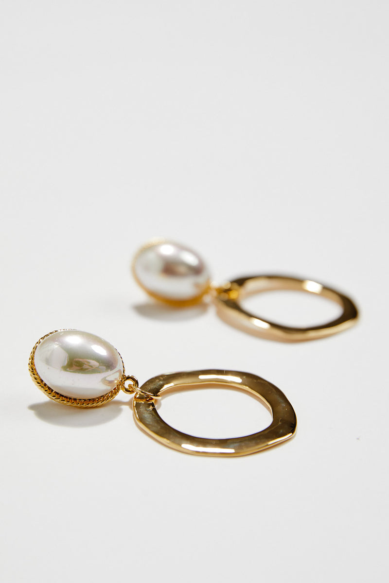 Pearl Art Deco Wedding Jewelery in Gold, by Amelie George Bridal