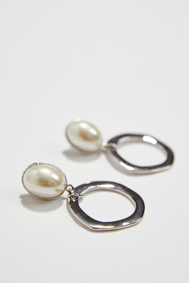 Pearl Art Deco Wedding Jewelery in Silver, by Amelie George Bridal