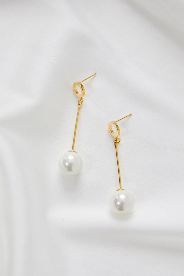 Modern Wedding Jewelery Gold by Amelie George Bridal