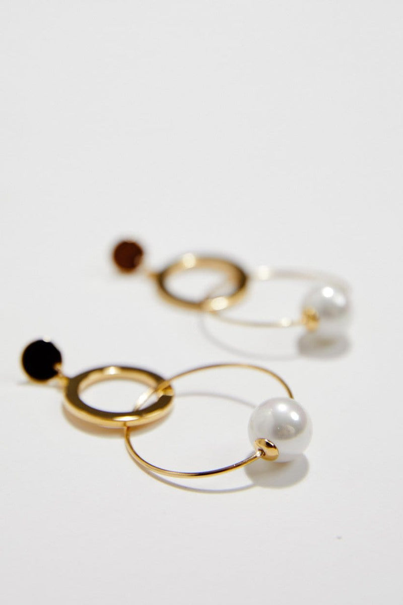 Modern pearl wedding earrings, by Amelie George Bridal