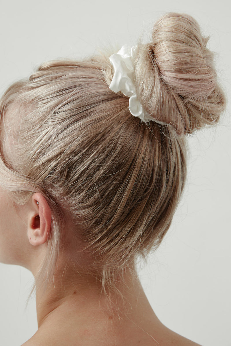 Silk Scrunchie Australia White by Amelie George Bridal