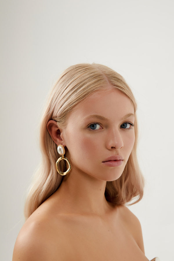 Vintage Wedding Earrings in Gold, by Amelie George Bridal