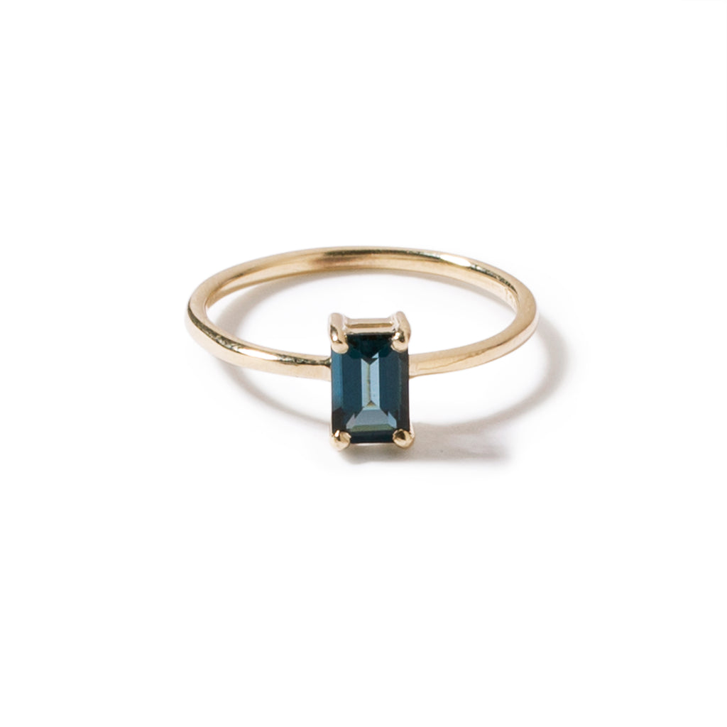 9ct yellow gold luxury emerald cut london blue topaz ring -vertical