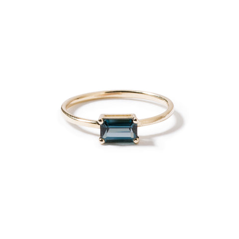 9ct yellow gold luxury emerald cut london blue topaz ring - horizontal