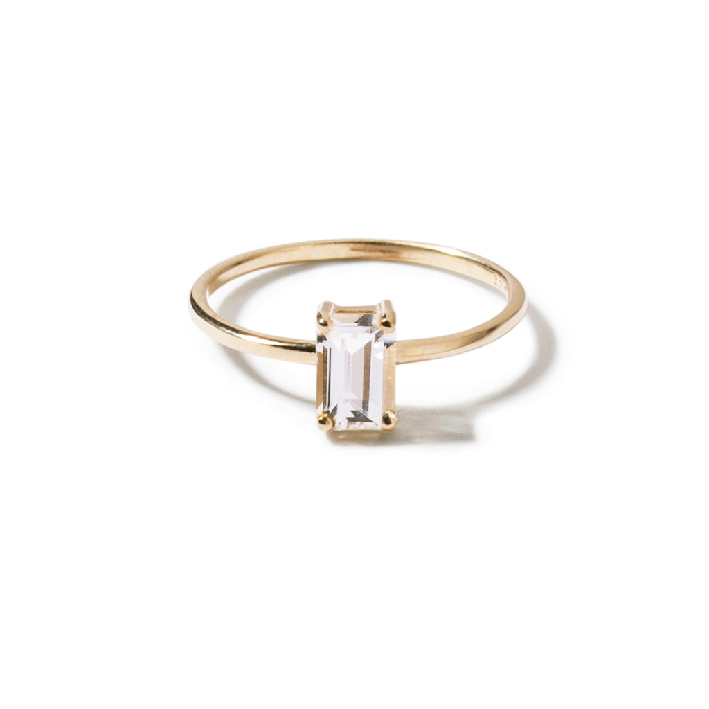 9ct yellow gold luxury emerald cut clear topaz ring - vertical