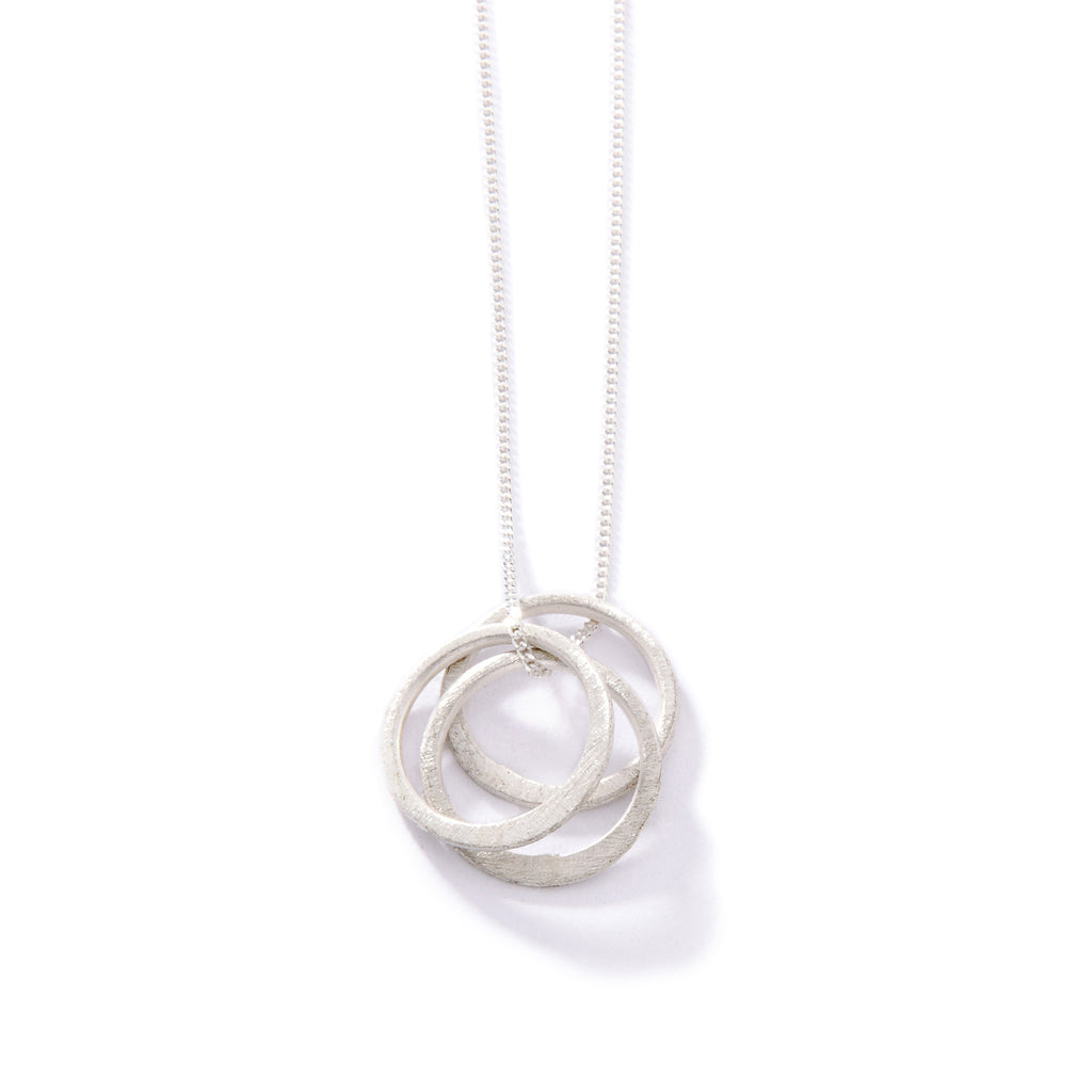 textured three circle necklace