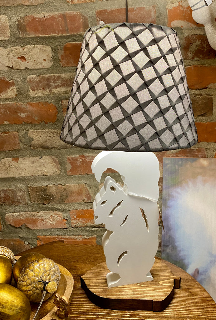 White squirrel lamp