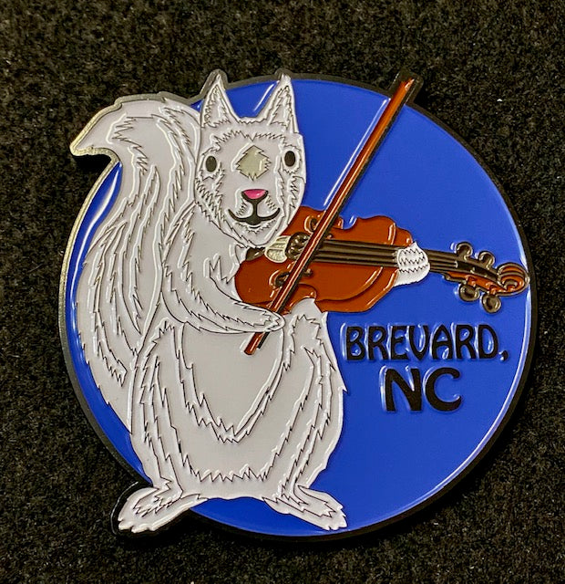 Magnet - White Squirrel Playing a Fiddle