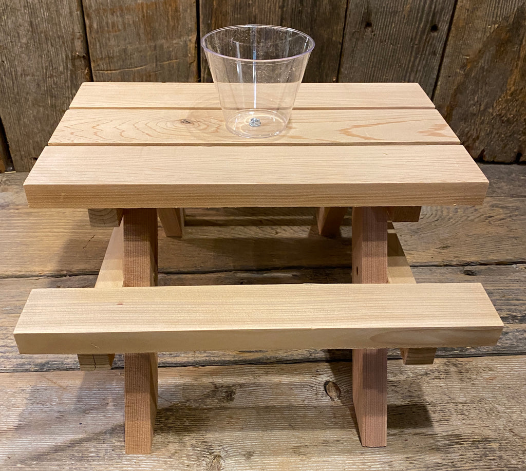 Squirrel Feeder - Small Picnic Table